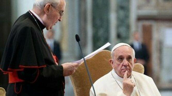Francisco, con los obispos polacos