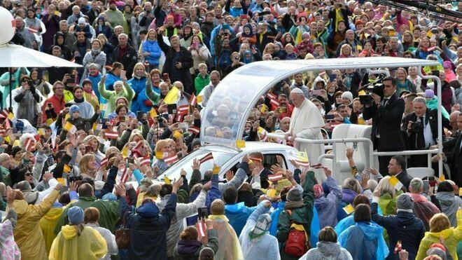 Francisco, ante la multitud
