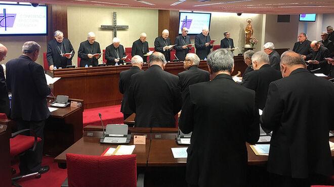 Resultado de imagen de conferencia episcopal española de espaldas