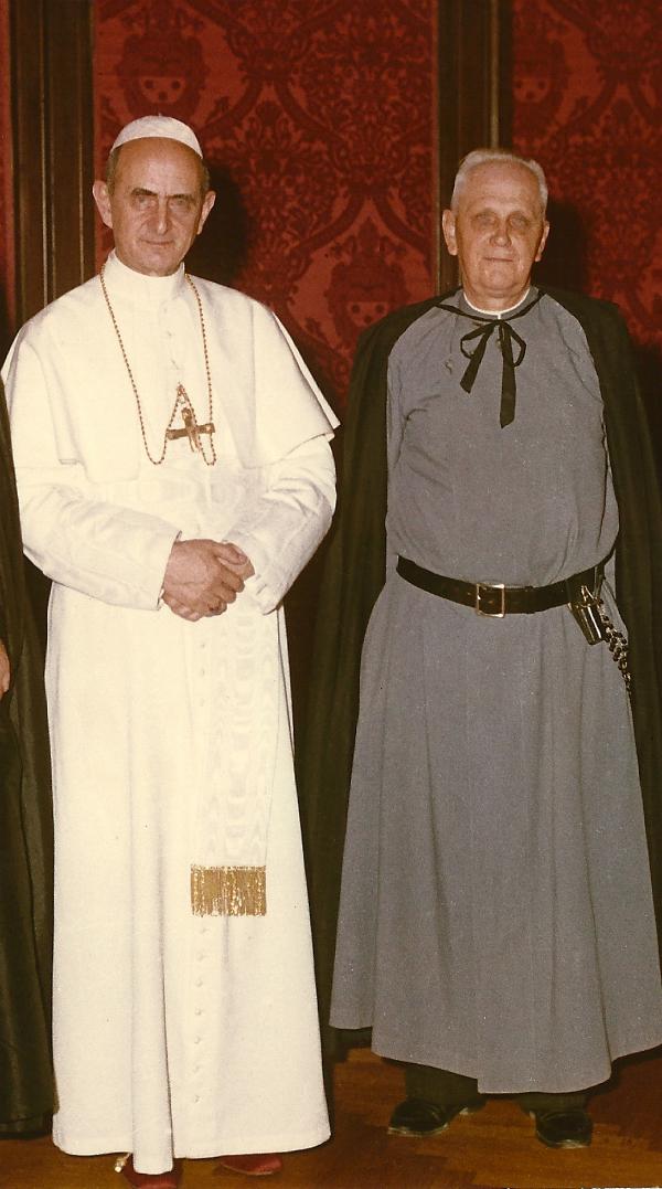 El padre Gerald Fitzgerald con el Papa Pablo VI