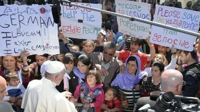 Francisco, con los refugiados de Lesbos