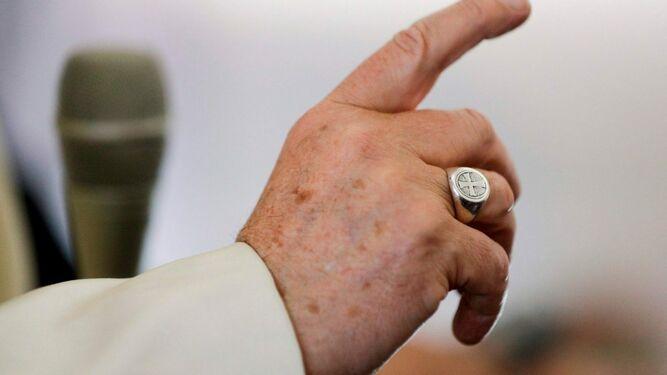 El Papa pide a los frailes menores que prediquen la paz