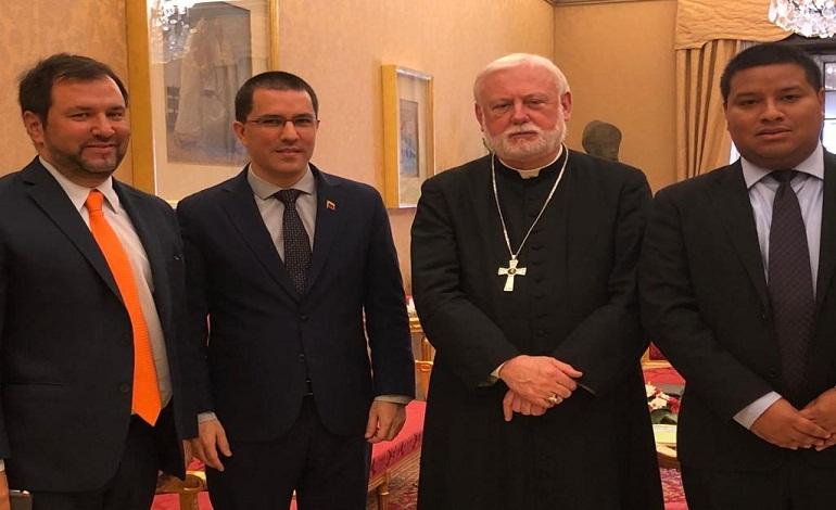 Representantes del Vaticano y Venezuela