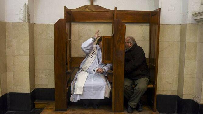 El Vaticano blinda el secreto de confesión