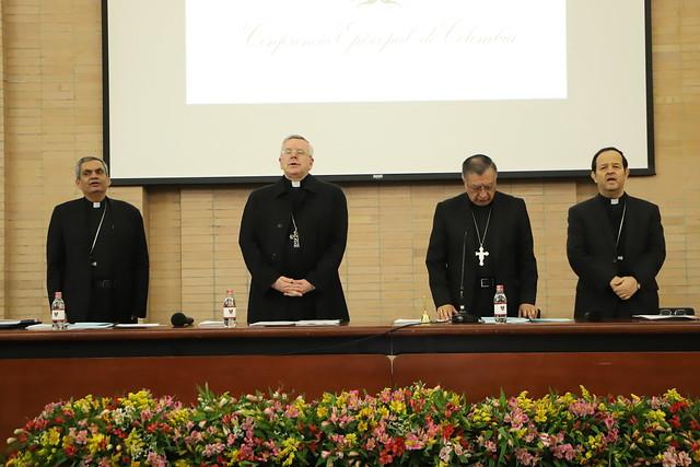 Oraciones durante la Plenaria en Bogotá