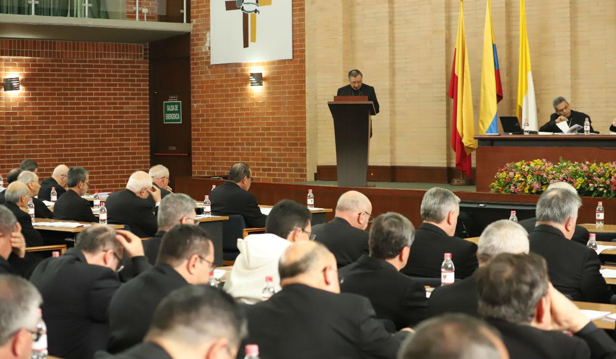 Monseñor Óscar Urbina en la asamblea de obispos colombianos