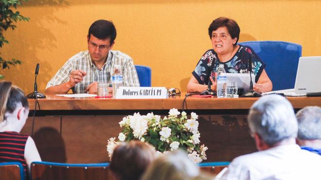 Dolores García Pi (a la derecha)