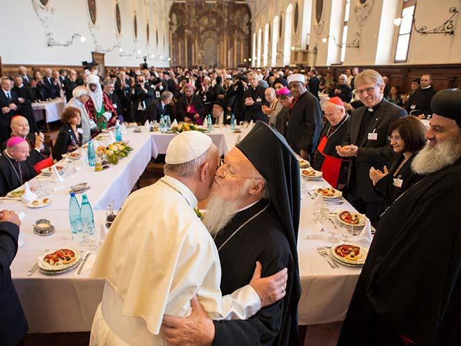 El papa y otros líderes religiosos