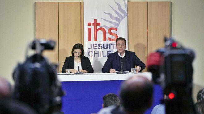 Cristián del Campo, en la conferencia de prensa ofrecida por los jesuitas sobre los abusos de Poblete