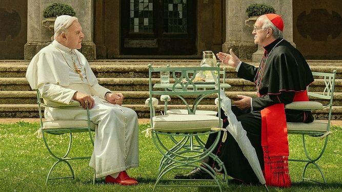 Anthony Hopkins y Jonathan Pryce, en la película de Netflix