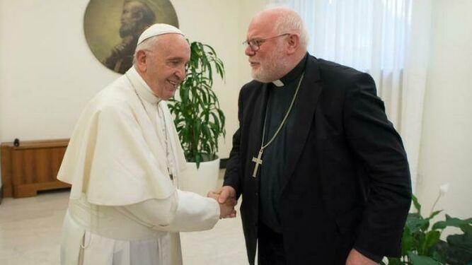 El Papa saluda al cardenal Marx