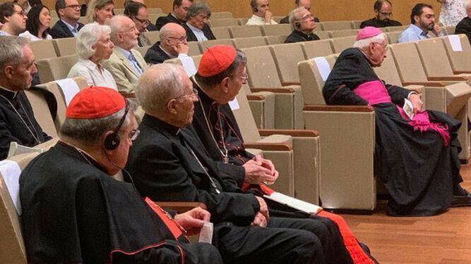 Rouco, junto a Burke y Koch, en el encuentro