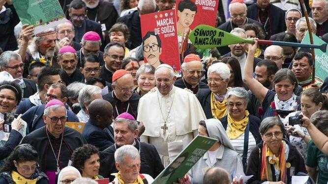 Francisco, durante la procesión de arranque del Sínodo de la Amazonía