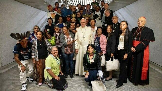 Encuentro de los Indígenas con el Papa