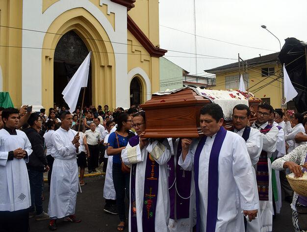 Iquitos despide a su obispo, Miguel Olaortúa - Religión Digital