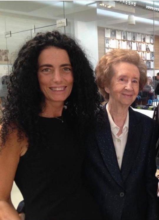 Olga con Margarita Salas