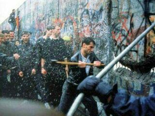 Treinta años del fin de la Guerra Fría: ¿Cuál fue el papel del Vaticano en la caída del Muro de Berlín? - Religión Digital