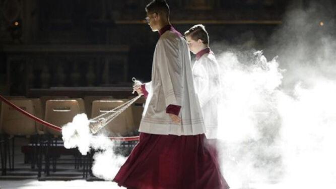 Ex monaguillos acusan a dos sacerdotes del Vaticano de abuso sexual