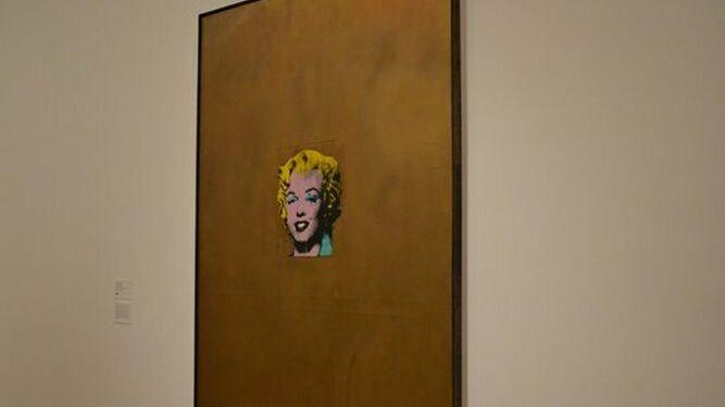 'Gold Marilyn': la actriz aislada en el centro de un cuadro lleno de oro, de A. Warhol