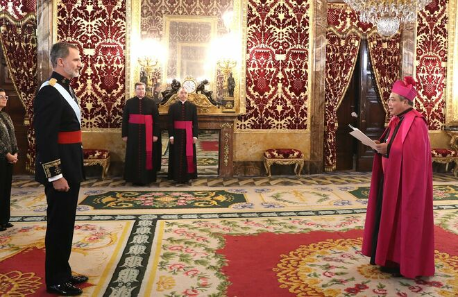 Bernardito Auza presentó sus credenciales al Rey