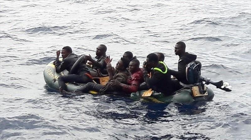 Patera de inmigrantes