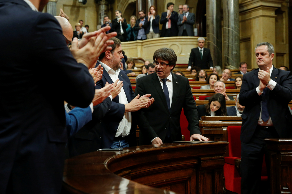 3. Parlament aplude independencia