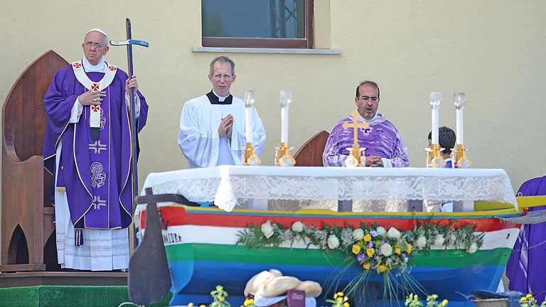 papa-francisco_lampedusa