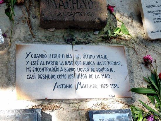 Epitafio de la tumba de Machado