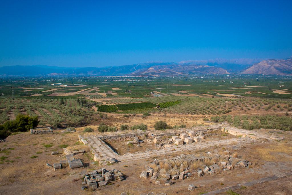 Vista de la comarca de Argos desde el santuario de Hera. https://live.staticflickr.com/8583/28788720465_11e86147ae_b.jpg