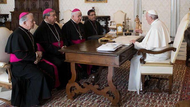Ante el Papa. Compromisos.