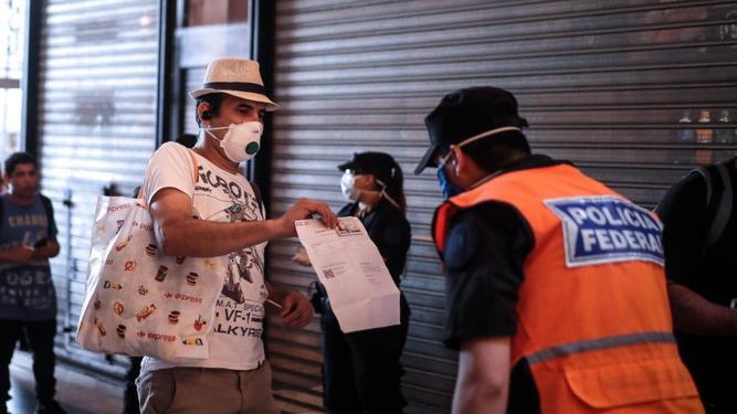 Movimientos restringidos ante la epidemia de coronavirus en Argentina