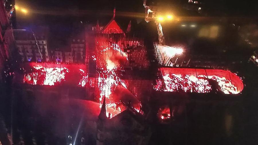 Incendio-Notre-Dame-1