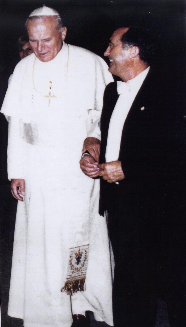 1985 JPII CON EMILIO IPINZA 00