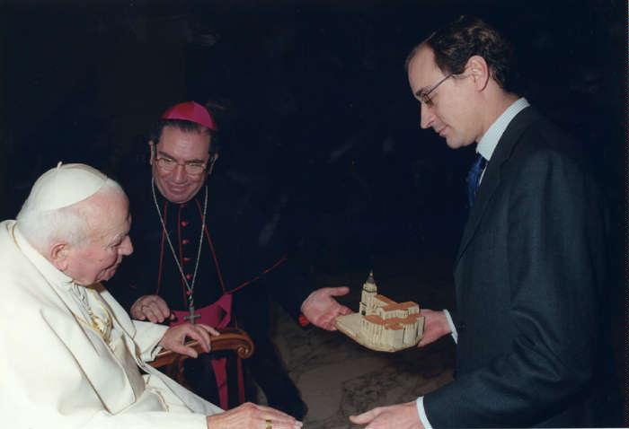 2002 JPII A ALONSO