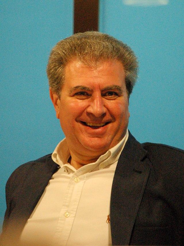 César_Antonio_Molina