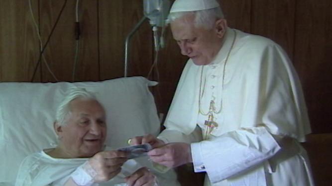 Los hermanos Ratzinger, en el hospital