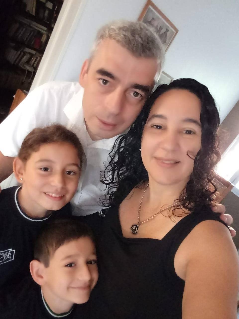 familia de Daniel Fernández ARGENTINA
