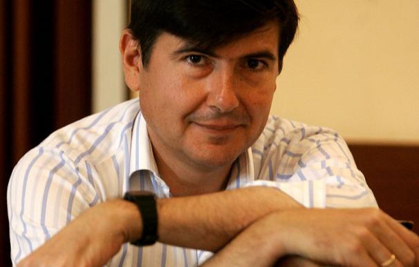 Manuel Pimentel, mediador