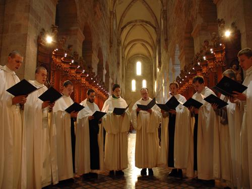 monjes-en-liturgia