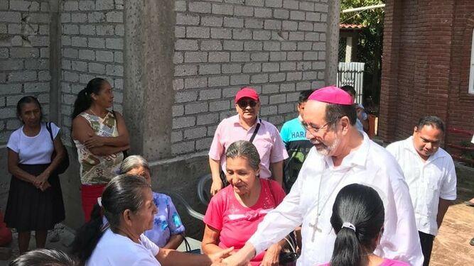 Mons. Colín Cruz. Acompañar al pueblo de Dios.