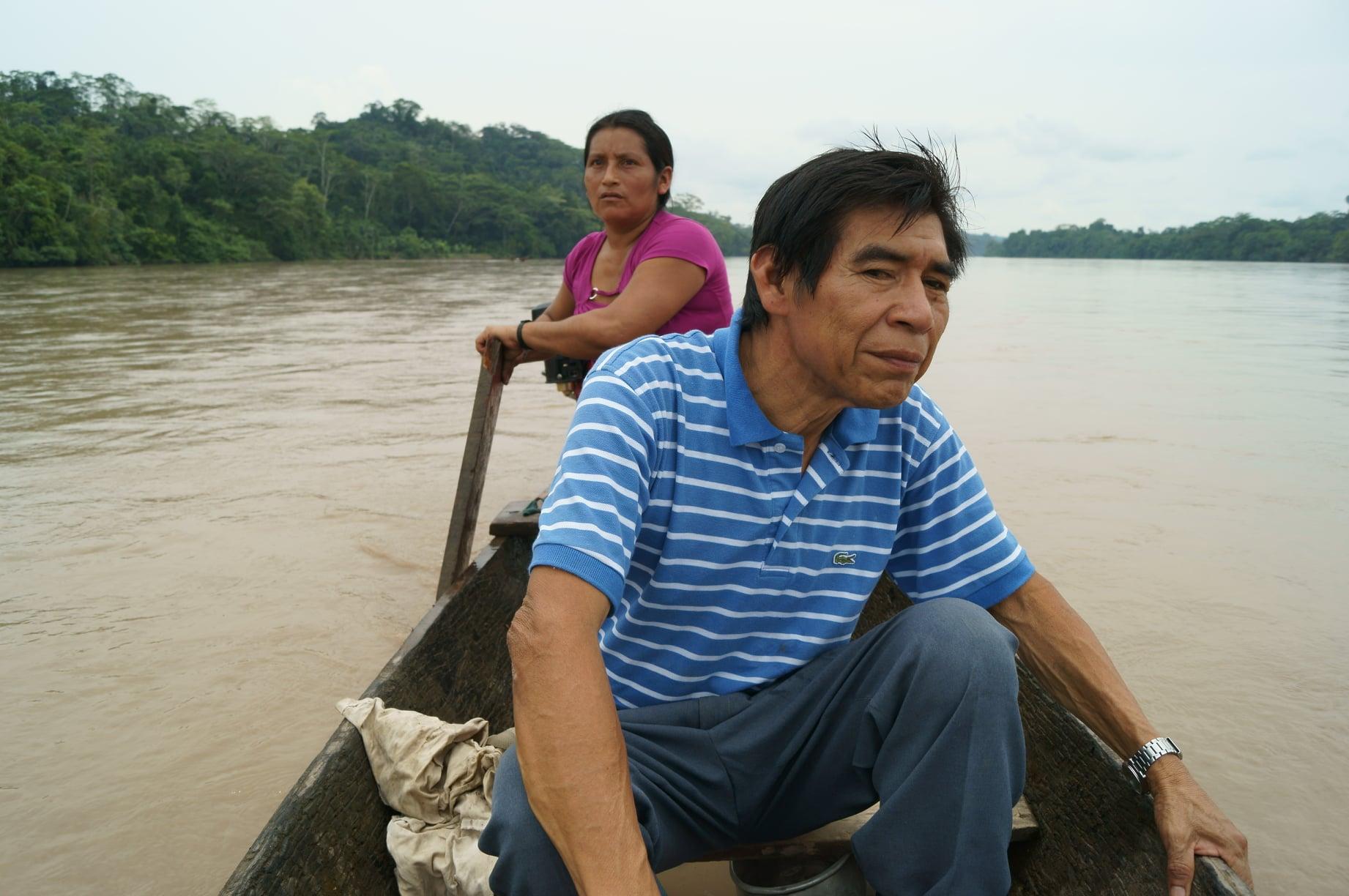 Santiago Manuin en el río