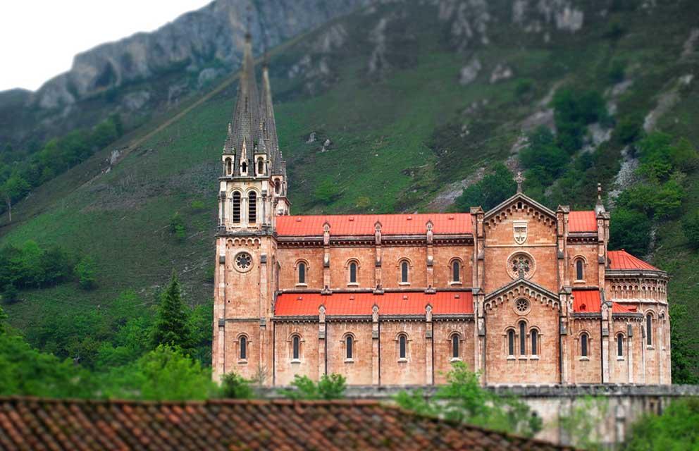 basilica-de-covadonga-cangas-de-onis