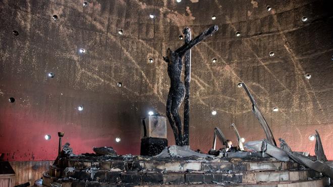 Un desconocido quema la imagen de más de 300 años de la Sangre de ...
