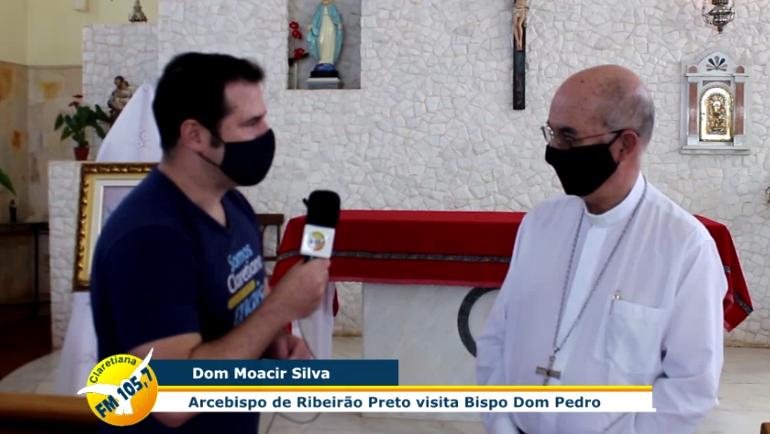 Mons. Moacir Silva en entrevista con la Radio Claretiana