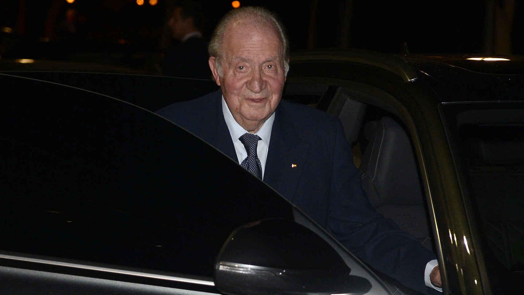 El rey Don Juan Carlos trasladó a Felipe VI su decisión