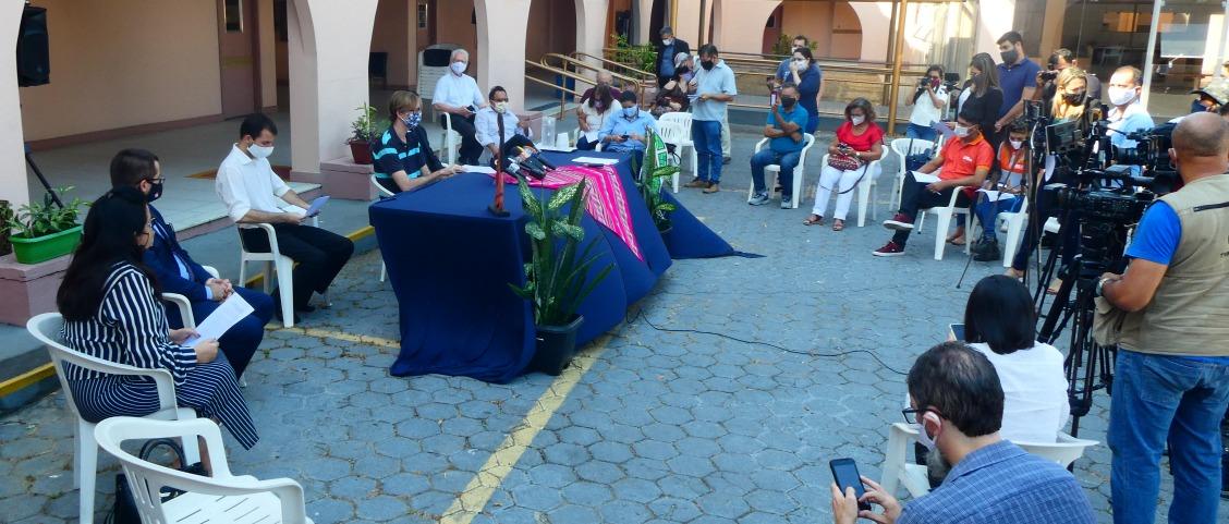 Rueda de prensa en Manaos