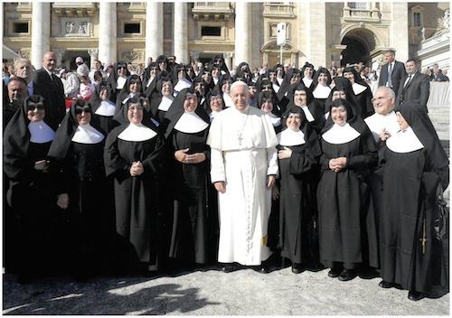 Hermanitas-de-los-Pobres-Papa-Francisco