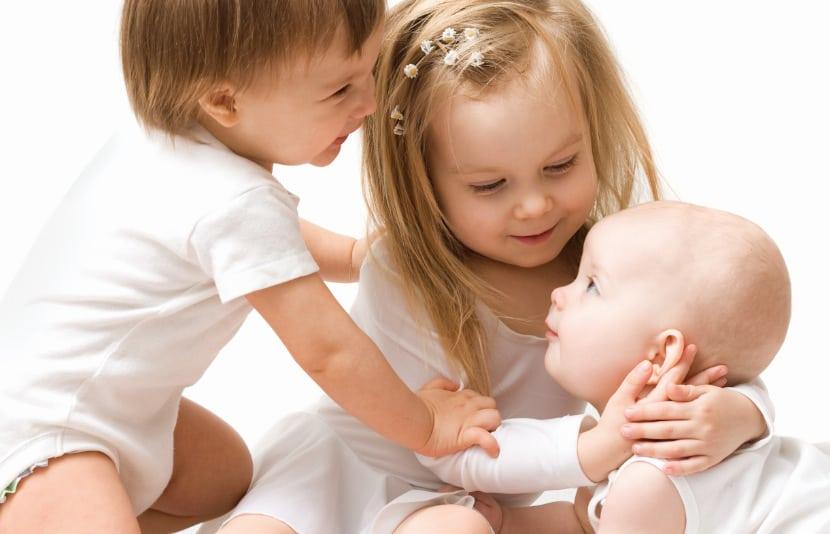 5-formas-fomentar-relacion-hermanos