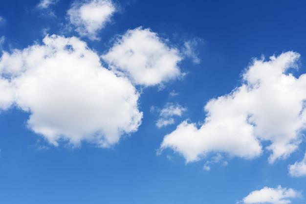 fondo-pantalla-nubes-cielo-azul_53876-71443