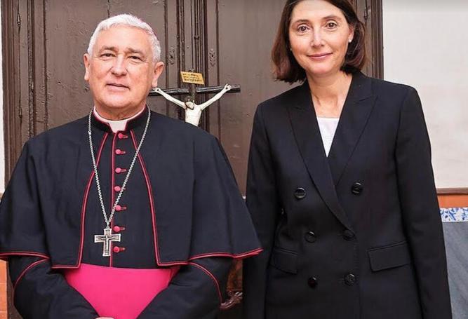 Zornoza y la nueva ecónoma, Carmen Lobato